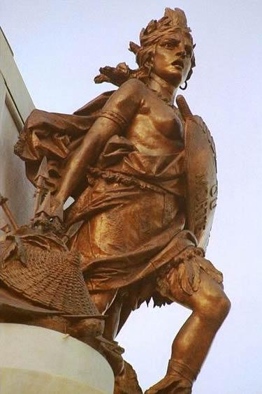 Maria Quitéria: detalhe no Monumento ao 2 de Julho, na Praça do Campo Grande (Salvador, Bahia).