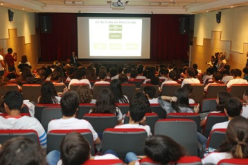 Procon inaugura projeto sobre direitos básicos do consumidor na rede privada de ensino. Foto: Carol Garcia/GOVBA